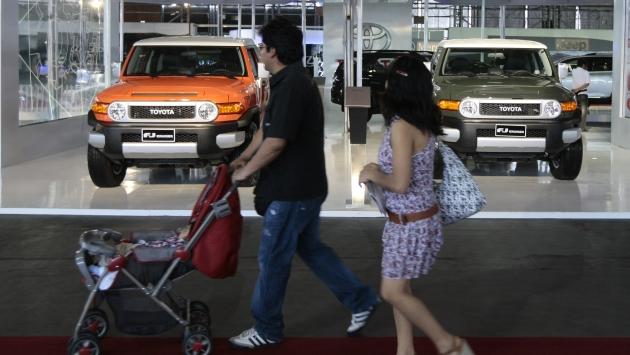 AVANCE LENTO. Se estima que en 2013 peruanos habrán comprado unos 210 mil autos nuevos. (David Vexelman)