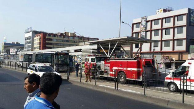 Bus del Metropolitano sufrió desperfecto. (@ADRIANASORIANO2)