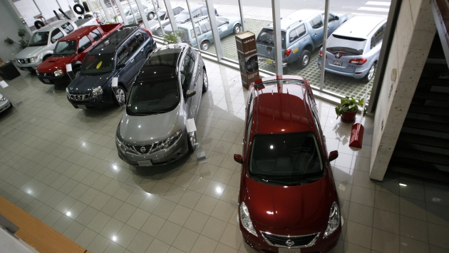 Necesidad. Se requiere vender alrededor de 240 mil autos nuevos para mejorar el parque automotor. (Heiner Aparicio)