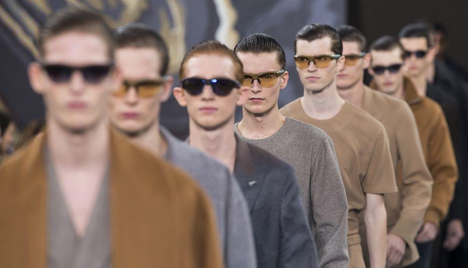 Louis Vuitton, cuyo nombre se asocia inevitablemente a los viajes, se desplazó virtualmente a Sudamérica con una colección masculina para el próximo otoño-invierno, que presentó sobre un dibujado de los desiertos de Atacama y Nasca. (AP)