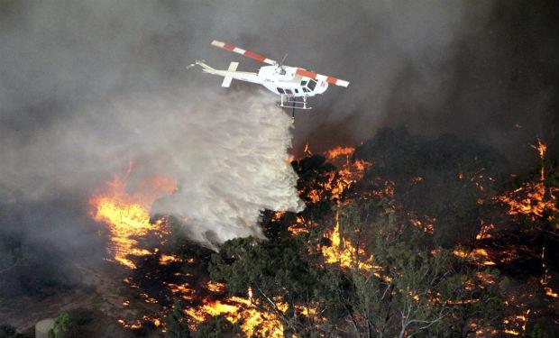 Incendios forestales en la región de Victoria, a 250 kilómetros de Melbourne. Australia. (EFE)