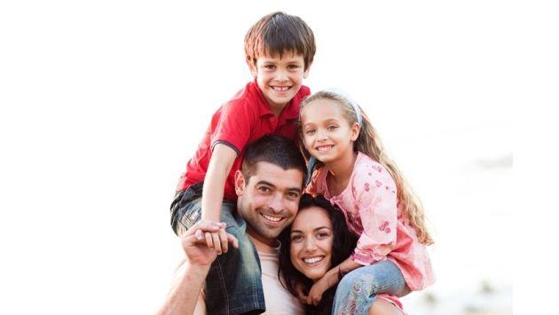 Para motivar la participación de los hijos adolescentes, conviene que los padres averigüen sus intereses. (USI)