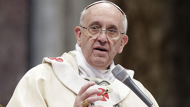 Papa Francisco dice también que Internet puede aislarnos de la gente. (EFE)