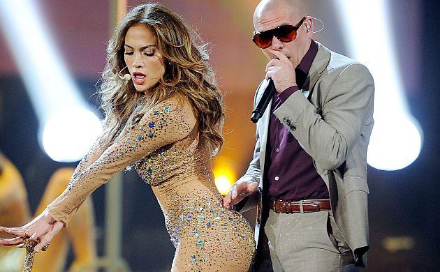 Jennifer López y Pitbull repetirán esta escena en la inauguración de Brasil 2014. (AFP)