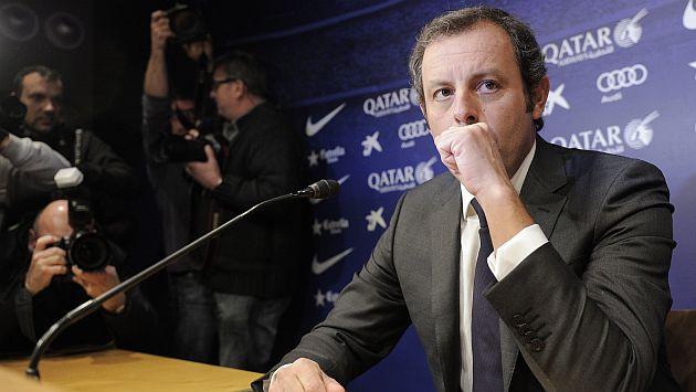 Sandro Rosell se fue del Barcelona sin aclarar dudas por fichaje de Neymar. (AFP)