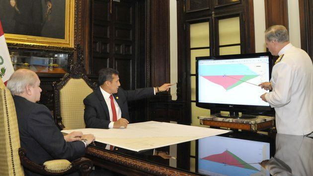 Ollanta Humala monitoreó el desplazamiento de los buques por el \'triángulo externo\'. (Andina)