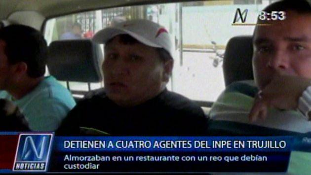 Agentes y preso departían en restaurante. (Canal N)