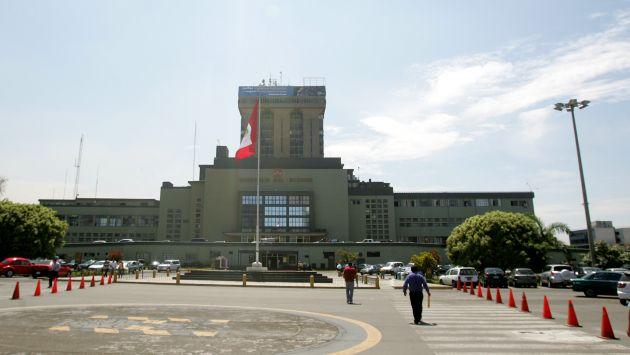 Fiscal a tambi n investiga compra inflada de binoculares for Ministerio del interior peru
