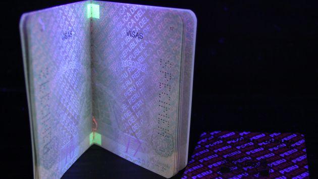 Pasaporte electrónico. Chip lo hace imposible de falsificar. (Andina)