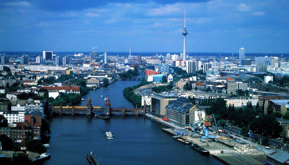 Alemania: Berlín, la capital alemana, es cosmopolita y dinámica. Muy avanzada culturalmente, se dibuja como uno de los destinos más atractivos de Europa. (Internet)