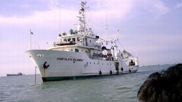 El barco José Olaya y una patrullera van a nuestro nuevo mar. (Difusión)