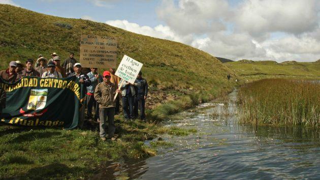 Frentes ambientalistas denunciaron derrame de petróleo. (Referencial/EFE)