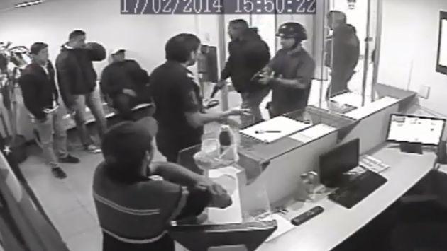 Venezuela: Partido de Leopoldo López denuncia allanamiento de sus oficinas. (YouTube)