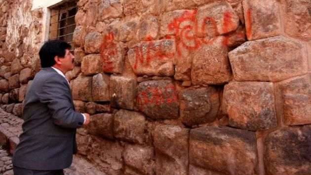 Realizan pintas en muro inca restituido. (Difusión)