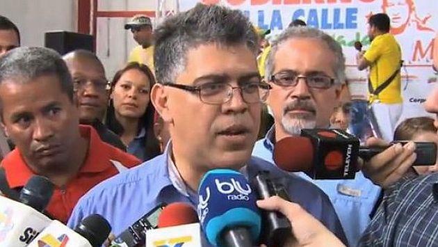 Canciller Elías Jaua pierde los papeles ante periodista. (Internet)