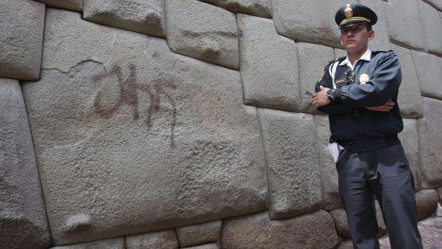 Cusco: Vándalos pintarrajearon la Piedra de los Doce Ángulos. (Andina)