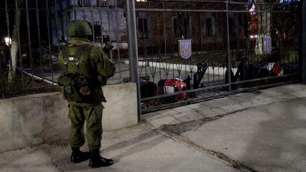Crimea: Un muerto por fuego ruso en base ucraniana. (AFP)