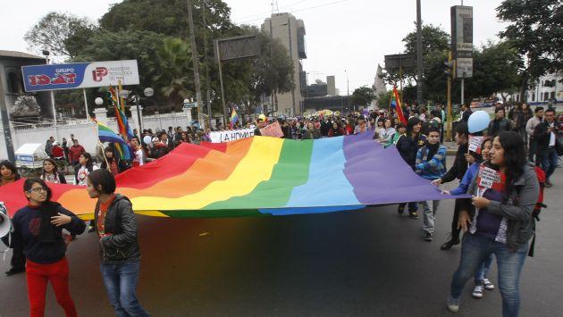 MHOL le sale al frente a Cipriani por plantear referéndum sobre Unión Civil. (Perú21)
