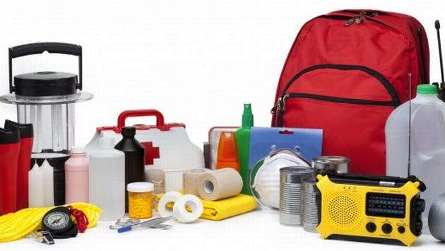 ¿Sabes qué es lo que debe contener una mochila de emergencia? (Internet)