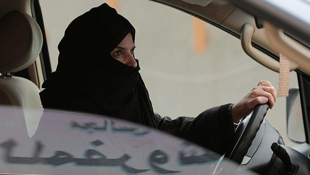 Arabia Saudí: Mujer recibirá 150 latigazos por conducir automóvil. (AP)