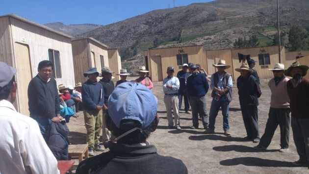 Moquegua: Vicente Zeballos visitó áreas de emergencia cerca a volcán Ubinas.