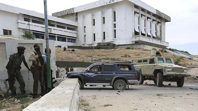 Somalia: Al menos 18 muertos en atentado al Parlamento. (Reuters)