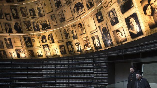 Sala de los Nombres en museo Yad Vashem, donde se retrata a judíos que murieron en el Holocausto. (Reuters)