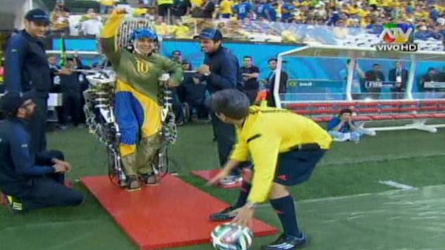 Hincha parapléjico dio el play de honor. (ATV)