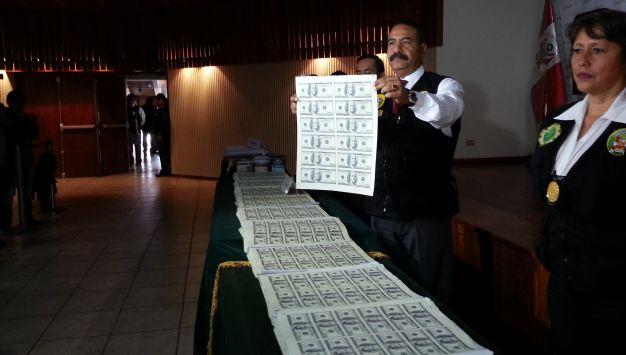 Dos sujetos fueron capturados con más de 4.5 millones de dólares falsos (Shirley Ávila)