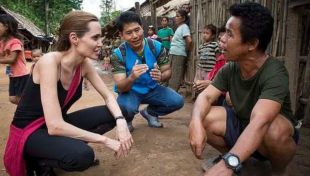 Angelina Jolie muestra delgadez extrema en visita a Tailandia. (Internet)