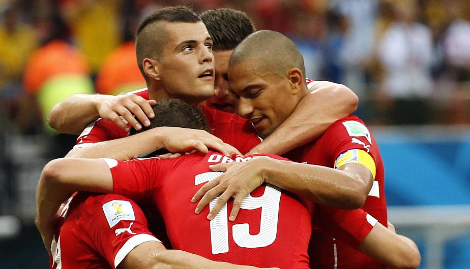Suiza goleó, gustó y clasificó. (Reuters)