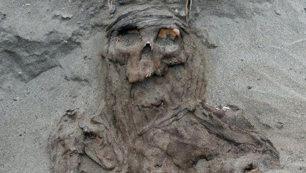 Les colocaban cañas cerca de cráneos para 'comunicarse' con sus muertos. (Universidad de Wroclaw)