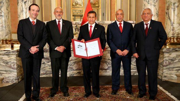 Gobierno firma contrato del proyecto. (Andina/Canal N)