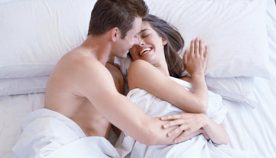 MITO: Algunos piensan que en las relaciones sexuales se queman hasta 500 calorías, sin embargo, esto es falso, dado que lo máximo que puede llegar a quemar es de 40 a 100 calorías. (salud180.com)