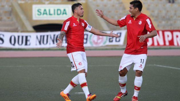Balbuena y Rengifo hicieron daño hoy a la defensa del 'Dominó'. (USI/CMD)