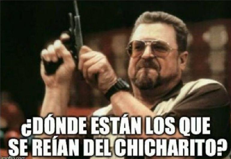 Internautas crearon memes sobre el fichaje de Chicharito Hernández. (Facebook)