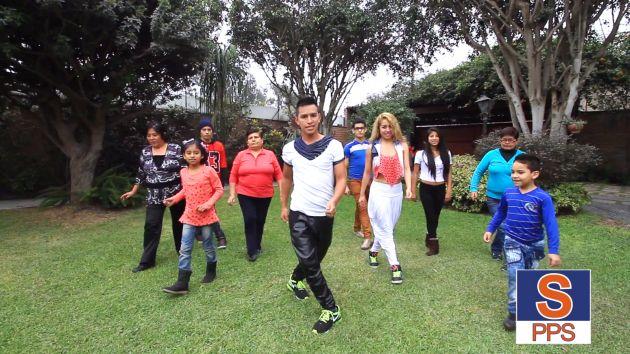 Heresi quiere que mujeres y niños bailen su canción de campaña. (YouTube)