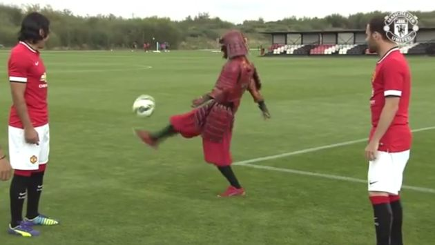 Manchester United contó con un 'samurái' como refuerzo durante práctica