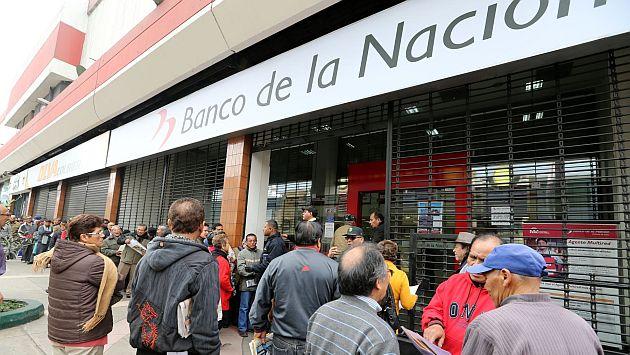 Una mujer fue golpeada mientras intentaban quitarle su dinero. (Andina)