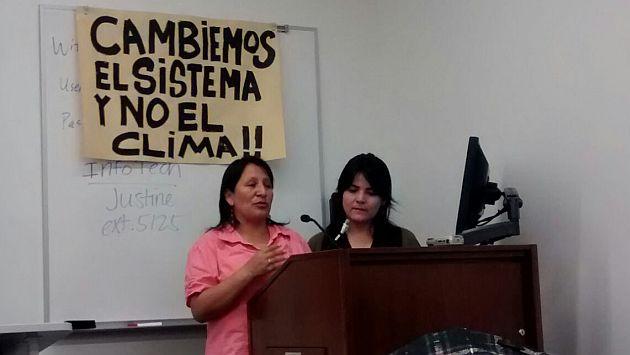 Gladis Vila, de la Cumbre de los Pueblos, y Lorena Del Carpio, del Grupo Perú COP 20, durante convocatoria en Nueva York. (Difusión)