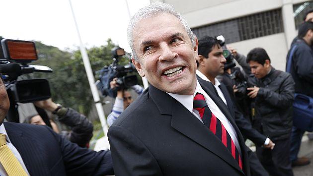 Luis Castañeda sigue líder en intención de voto, pero la gente cree que robará si llega a la Alcaldía. (Luis Gonzales)