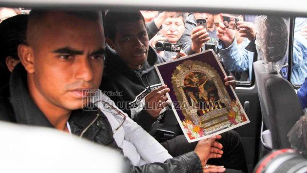 Julio Landauri y Luis Trujillo esperan que el Señor de los Milagros los ayude con triunfos en el Torneo Clausura 2014. (Facebook)