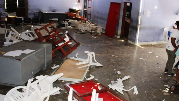 Desborde popular. Los hechos más graves en el día de las elecciones ocurrieron en localidades de Loreto y Tumbes. (Perú21)