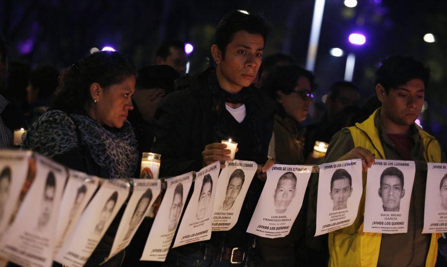 Padres de los estudiantes desaparecidos mexicanos reclaman a Peña Nieto