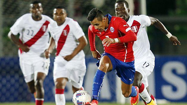 Perú dio pena y sufrió goleada ante un Chile muy superior. (EFE)