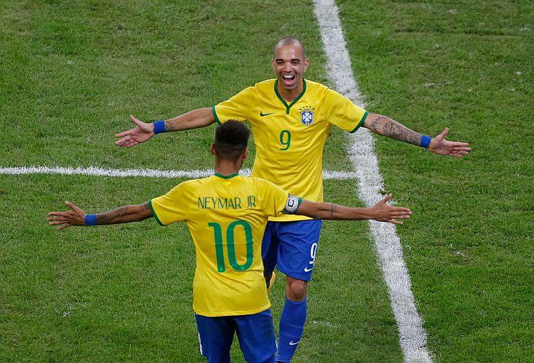Brasil venció a Argentina por 2-0 en el superclásico de las Américas. (Reuters)