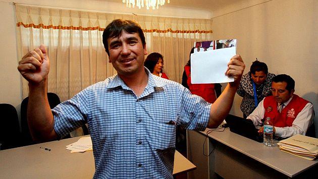 Cusco: Alcalde de Pillpinto fue elegido por moneda