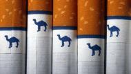 Empresa que produce cigarrillos Camel y Pall Mall prohíbe fumar en sus oficinas. (AP)