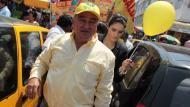 Trabajadores de la Municipalidad de Chiclayo no cobran sueldos por desfalcos de Roberto Torres. (Perú21)