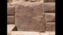 Huancavelica, Incahuasi, Piedra de los 13 ángulos